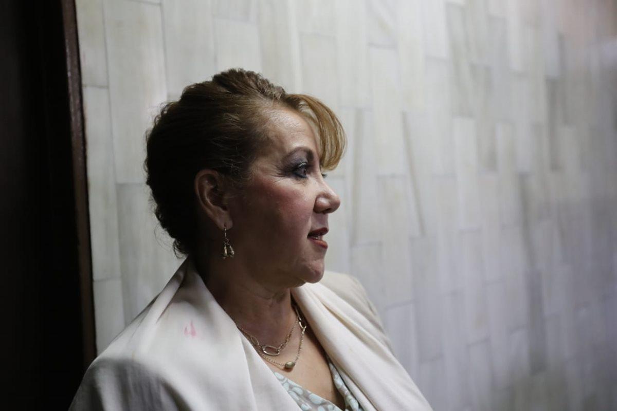 La Magistrada separada del cargo, Blanca Stalling, logró por novena vez suspender la audiencia de etapa intermedia. (Foto Prensa Libre: Erick Ávila)
