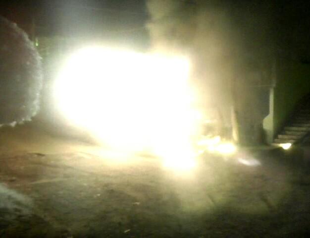 Vecinos alertaron a los Bomberos Municipales del incendio a las 2 de la madrugada. (Foto Prensa Libre: BMD Coatepeque)