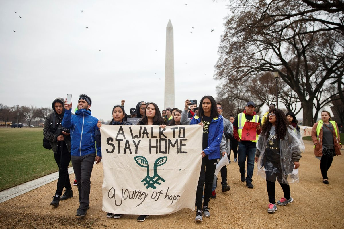Soñadores piden soluciones migratorias a Trump