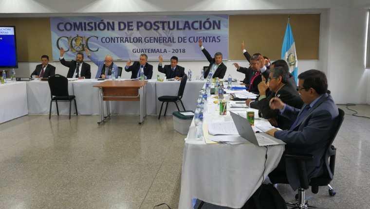 Los integrantes de la Comisión de Postulación para Contralor General de Cuentas aprobaron la formación de grupos para evaluar los expedientes (Foto Prensa Libre: Hemeroteca)