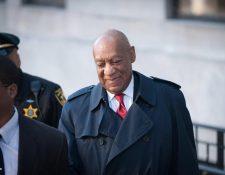 El comediante Bill Cosby este jueves asistió a la corte de Norristown, Pensilvania. Fue declarado culpable de tres cargos de abuso sexual. (Foto Prensa Libre:EFE)