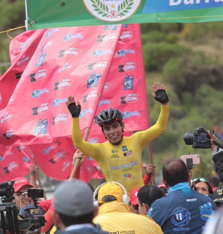 Emoción a flor de piel en la meta de la octava etapa de la 58 Vuelta a Guatemala. (Foto Prensa Libre: Norvin Mendoza)