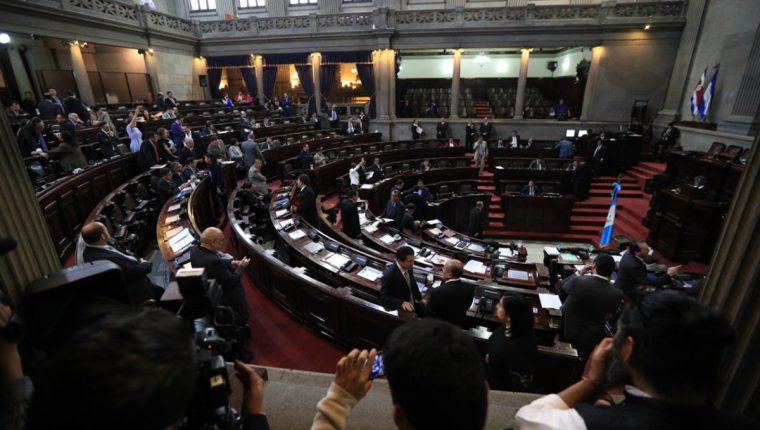 El pleno del Congreso durante la plenaria de este martes. (Foto Prensa Libre: Carlos Hernández).