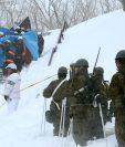 Perecen estudiantes y profesor por avalancha de nieve en Japón. (Foto Prensa Libre: AFP)