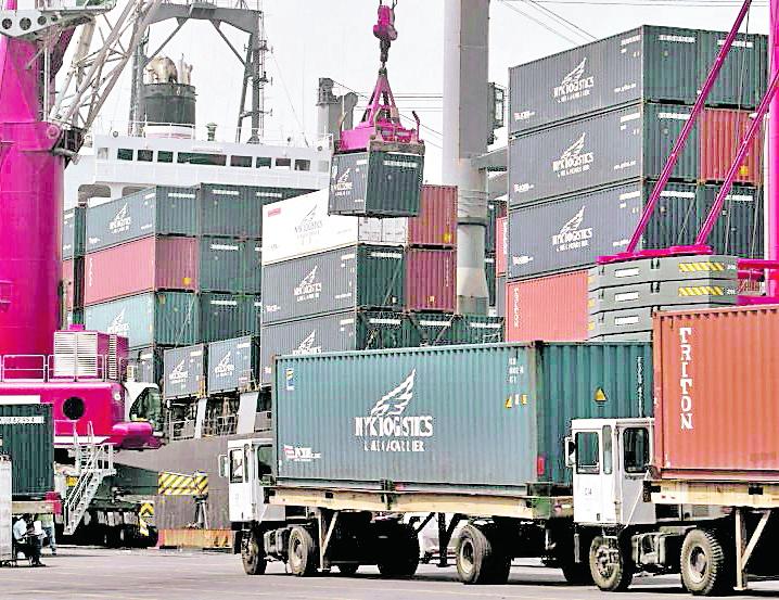 Proveedor de grúas demanda a EPQ por Q366 millones e inicia proceso de arbitraje