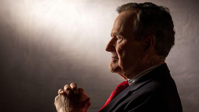 George H. W. Bush murió el 30 de noviembre a los 94 años. DAVID HUME KENNERLY/GETTY IMAGES