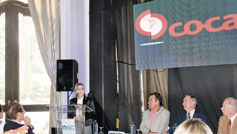 Directivos y asociados  de OCCAF, junto con autoridades del Inguat y Municipalidad de Guatemala presentaron situación de la industria. (FOTO PRENSA LIBRE: Natiana Gándara).