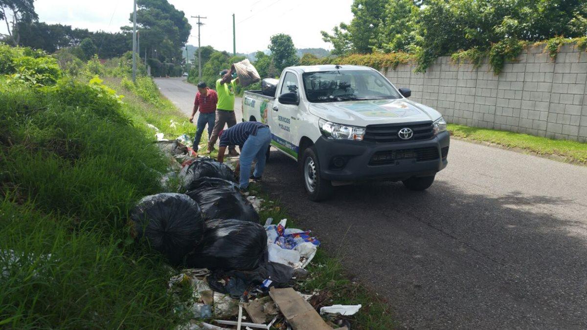 Aumentan multa por tirar basura en la vía pública en Villa Canales