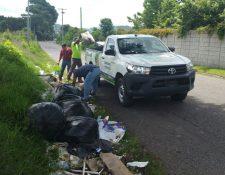 El Concejo de Villa Canales aumentó la multa por tirar basura en la vía pública debido a que esa acción es frecuente en el municipio. (Foto Prensa Libre: Cortesía)