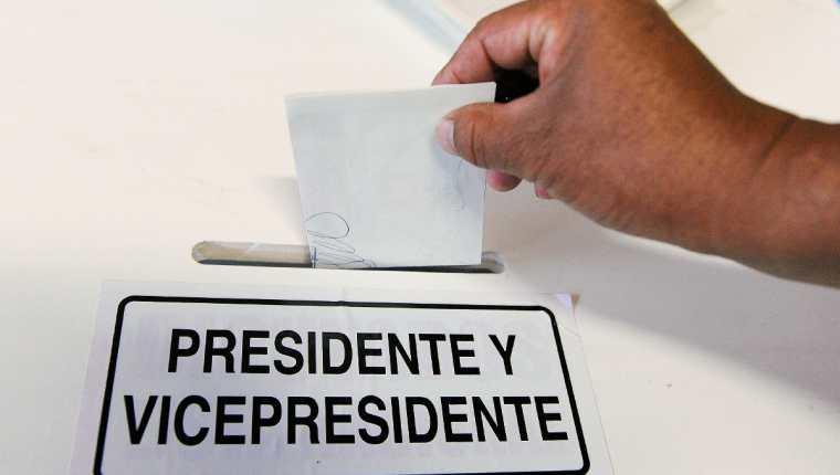 Los partidos políticos gastan más recursos de los reportados al Tribunal Supremo Electoral. (Foto Prensa Libre: Hemeroteca PL)