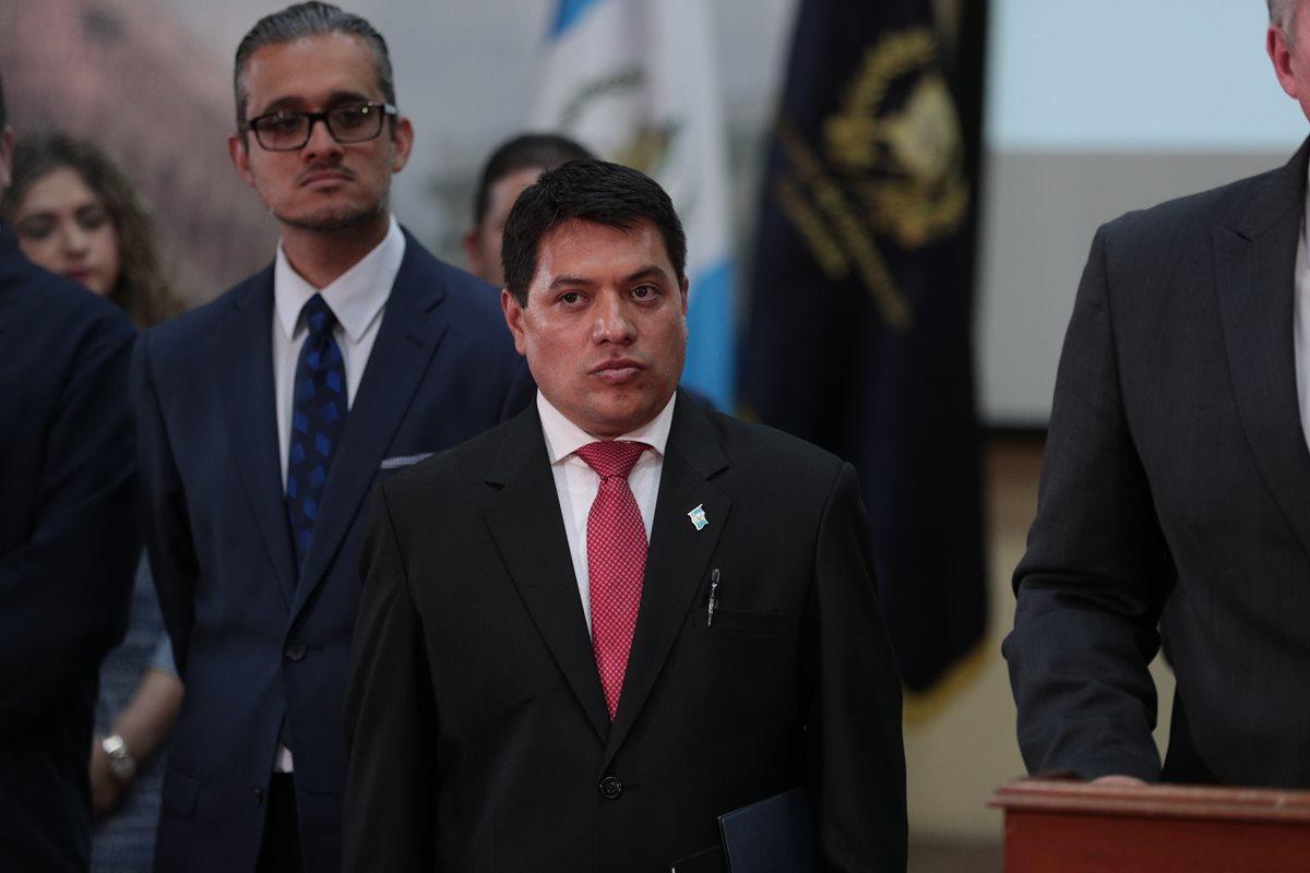 El viceministro Kamilo Rivera presentó este miércoles su carta de renuncia, pero no indica si se va a entregar a la justicia o no. (Foto Prensa Libre: Hemeroteca PL)