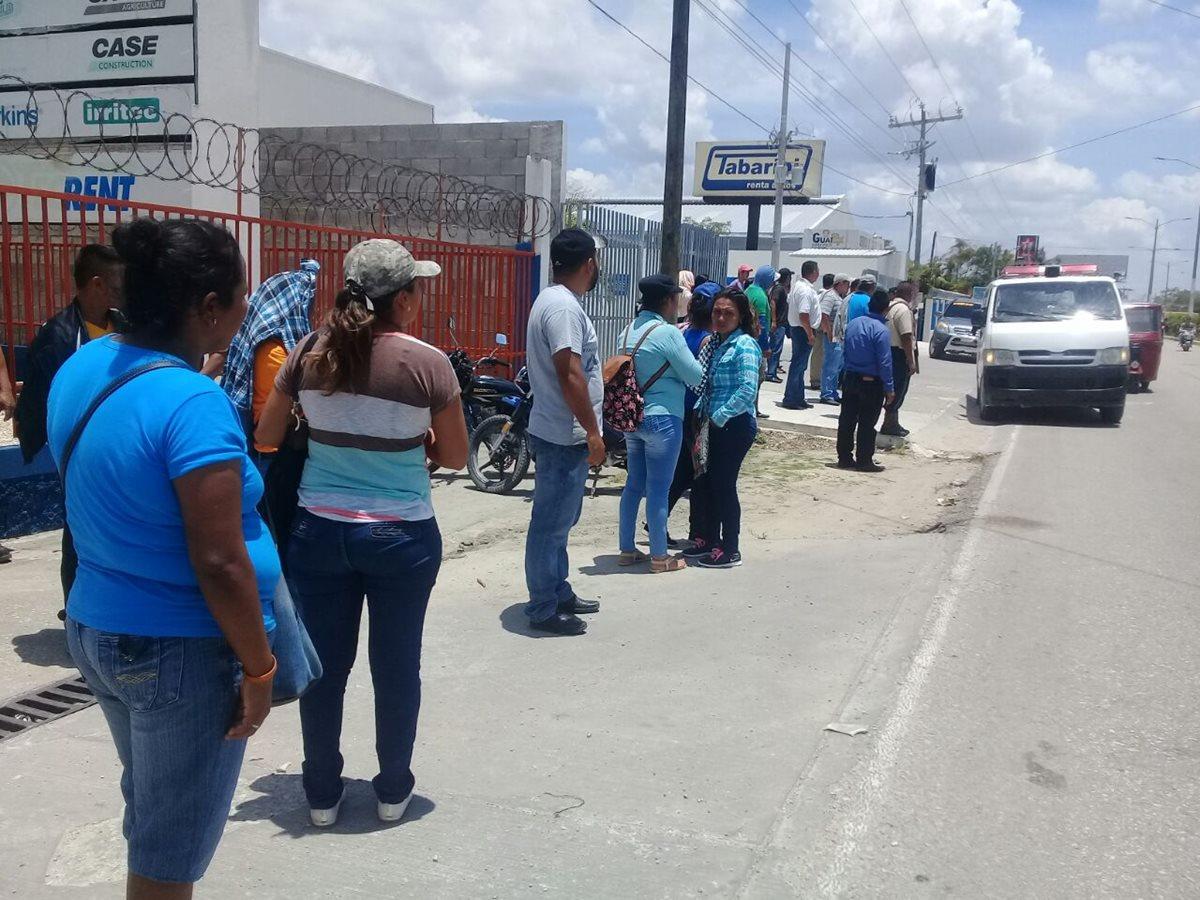 Los maestros exigen que se homologue el Pacto Colectivo, para recibir incentivos económicos. (Foto Prensa Libre: Rigoberto Escobar)