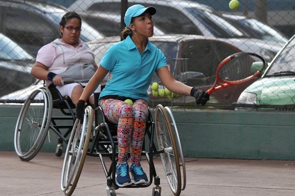 Alejandra Rubio atleta de tenis de campo