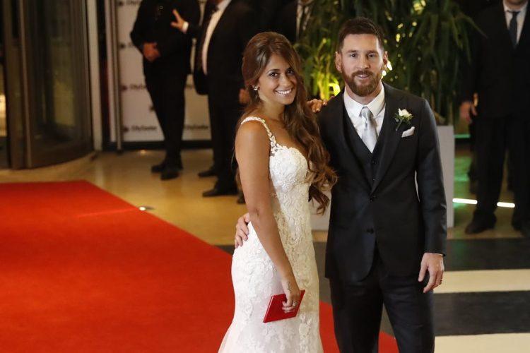 En una privada ceremonia Lionel Messi le juró amor eterno a Antonella Rocuzzo.