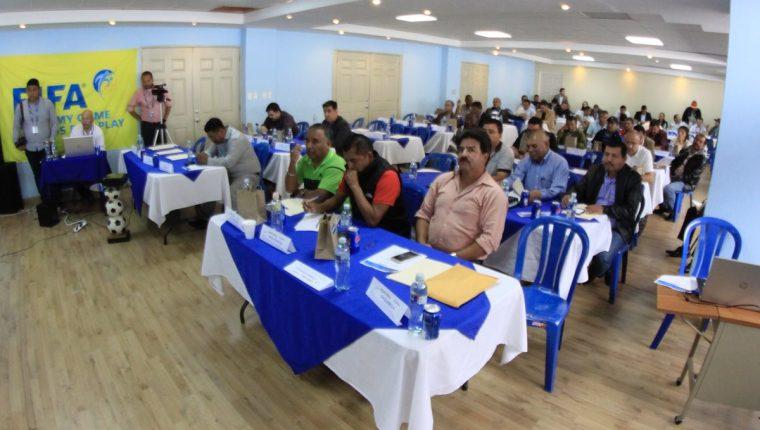 En Asamblea Ordinaria se aprobó el presupuesto de la Fedefut. (Foto Prensa Libre)