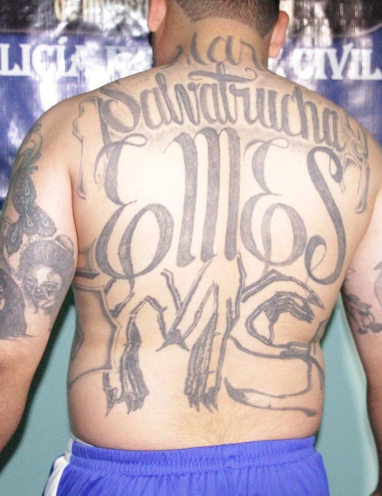 Autoridades presumen que el sujeto aprehendido es líder de una clica de la Mara Salvatrucha. (Foto Prensa Libre: PNC)