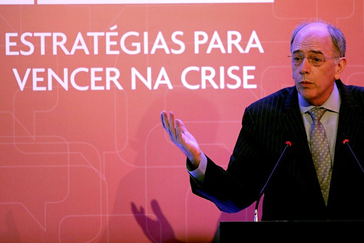 El presidente de Petrobras, Pedro Parente presentó este viernes su dimisión, días después de que llegara a su fin la huelga de camioneros en Brasil. (Foto Prensa Libre:EFE).
