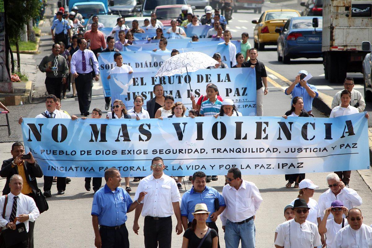 Iglesias salvadoreñas piden a pandillas cesar la ola de violencia