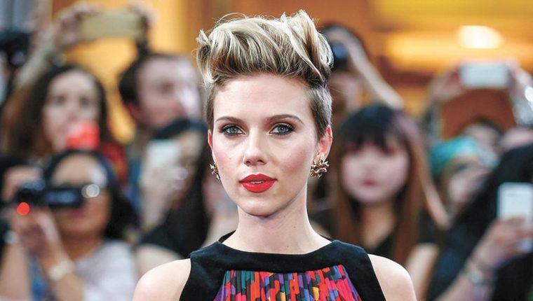 Scarlett Johansson y su nuevo papel desataron la polémica en Hollywood (Foto Prensa Libre: AFP).