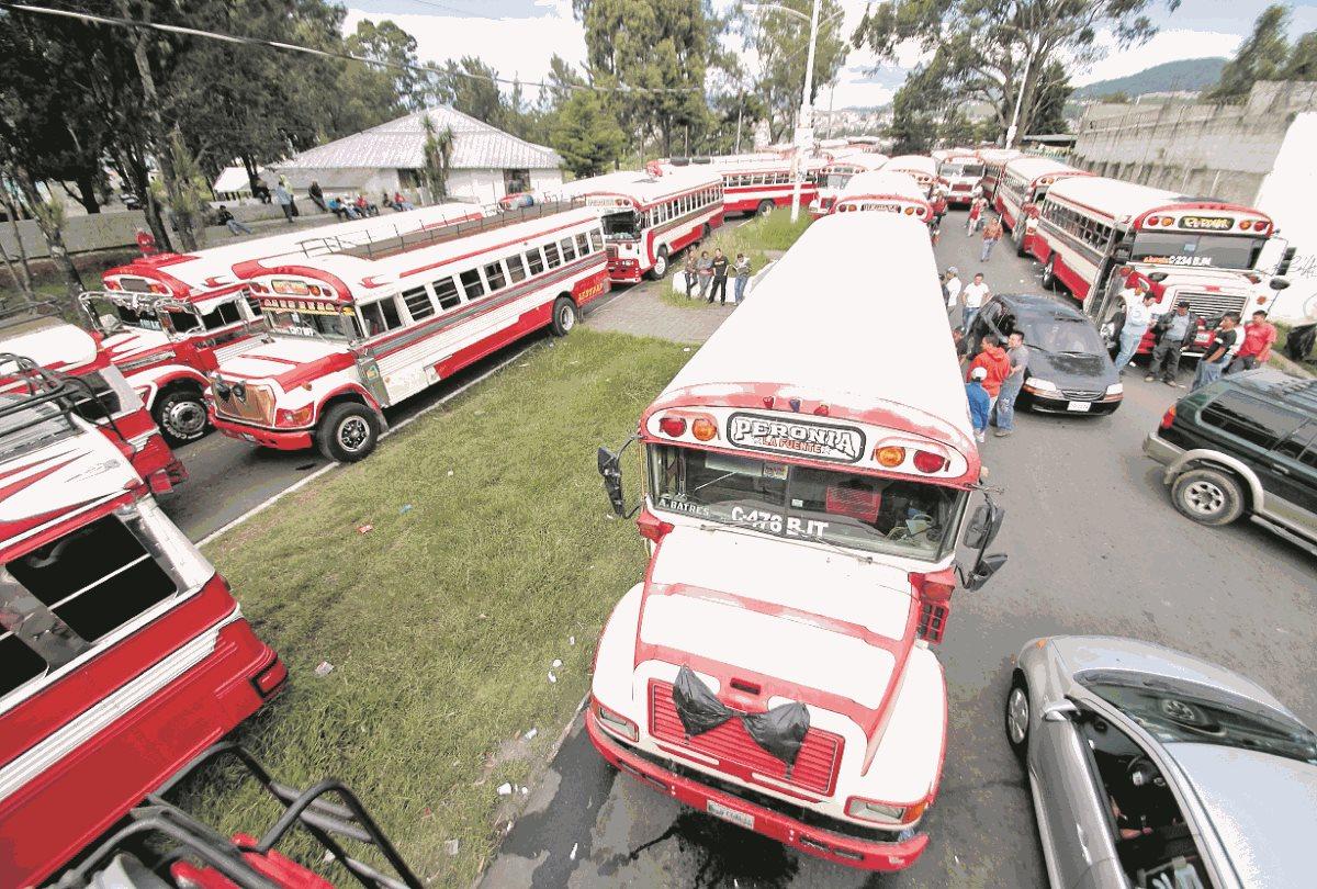 Los pilotos de las rutas que cubren Peronia han protestado en otras ocasiones por el mismo problema.(Prensa Libre: Hemeroteca PL)