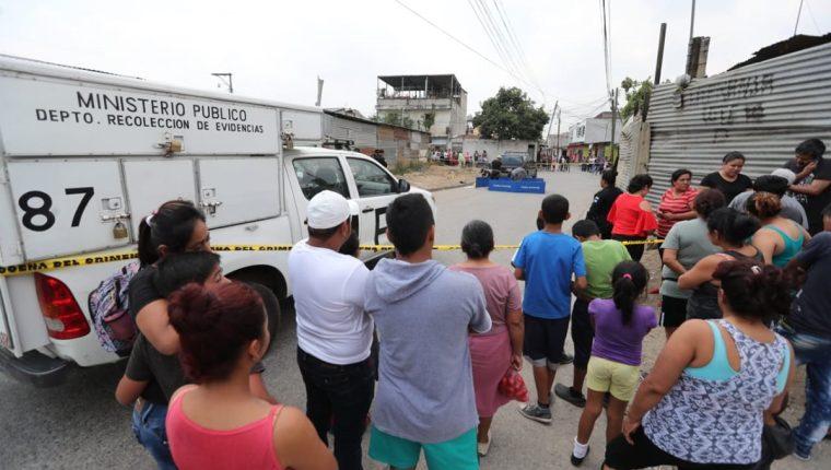 Lugar donde fue asesinada una mujer en la colonia Tierra Nueva 1, Chinautla. (Foto Prensa Libre: Érick Ávila).