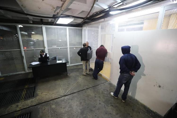 Los detenidos les hicieron saber el motivo de detención el 14 de agosto pasado. (Foto Prensa Libre: Hemeroteca)