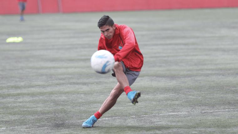 John Méndez fue suspendido una año de toda actividad deportiva por el uso de clóstebol. (Foto Prensa Libre: Jorge Ovalle)