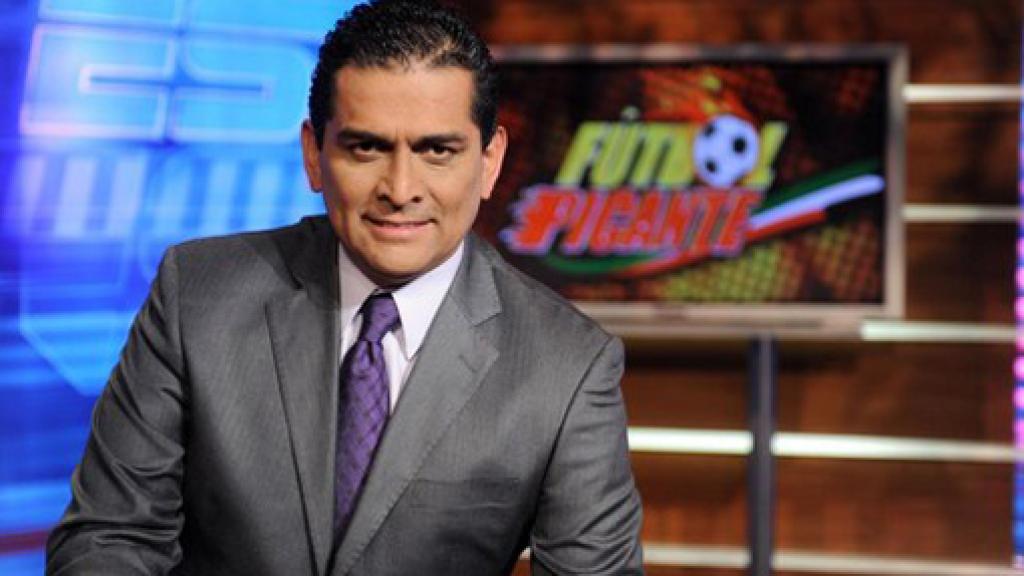 Exárbitro mexicano Felipe Ramos Rizo vuelve a poner en duda la capacidad del silbante guatemalteco Wálter López