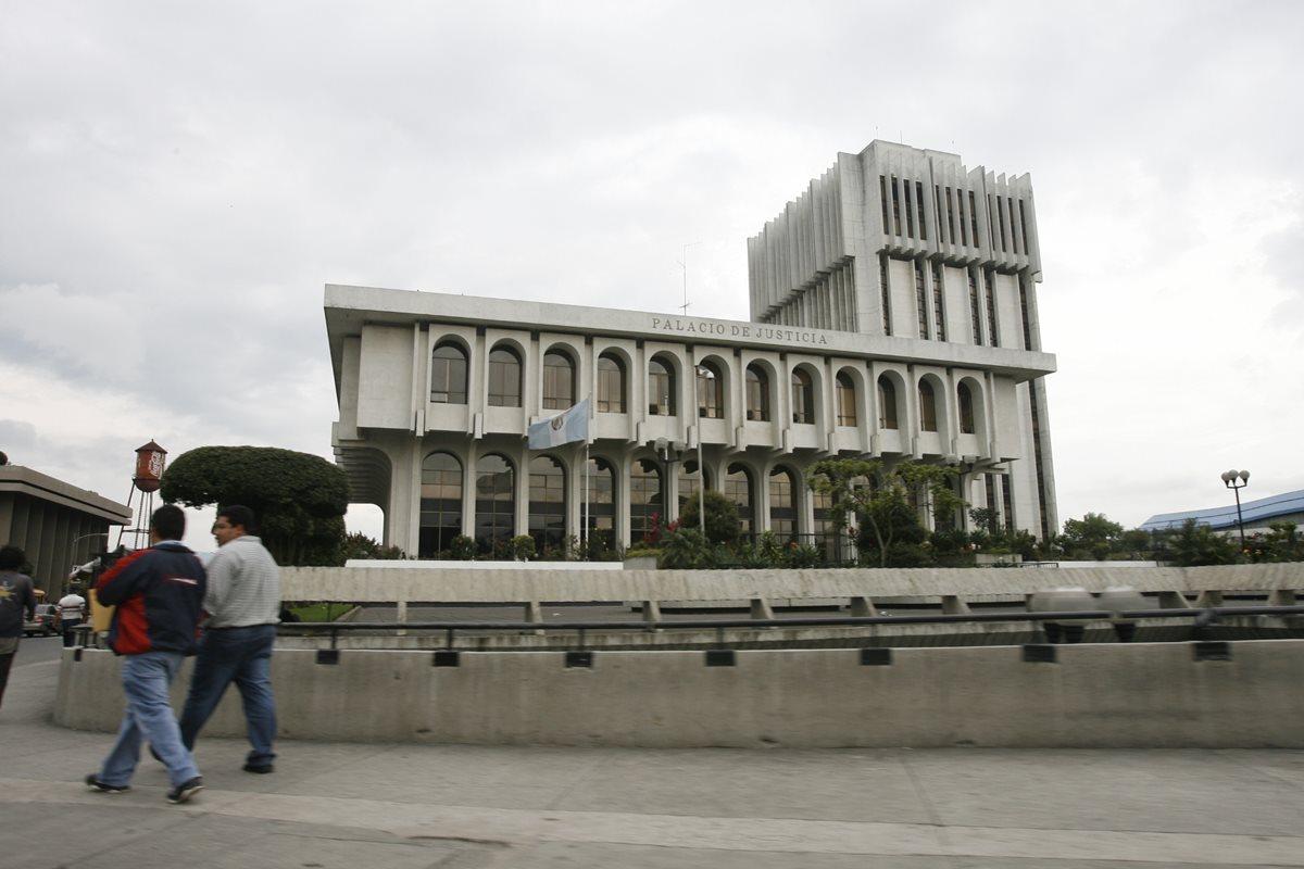 La Corte Suprema de Justicia y las Cortes de Apelaciones habrían sido nombradas bajo influencia del Congreso de la República (Foto Prensa Libre: Hemeroteca PL)