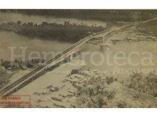 Detalle de la portada de Prensa Libre del 15 de marzo de 1980 informando sobre la inauguración del puente sobre Río Dulce. (Foto: Hemeroteca PL)