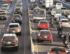La circulación de vehículos será complicada en la ciudad, principalmente en horas de la tarde. (Foto Prensa Libre: Hemeroteca PL)