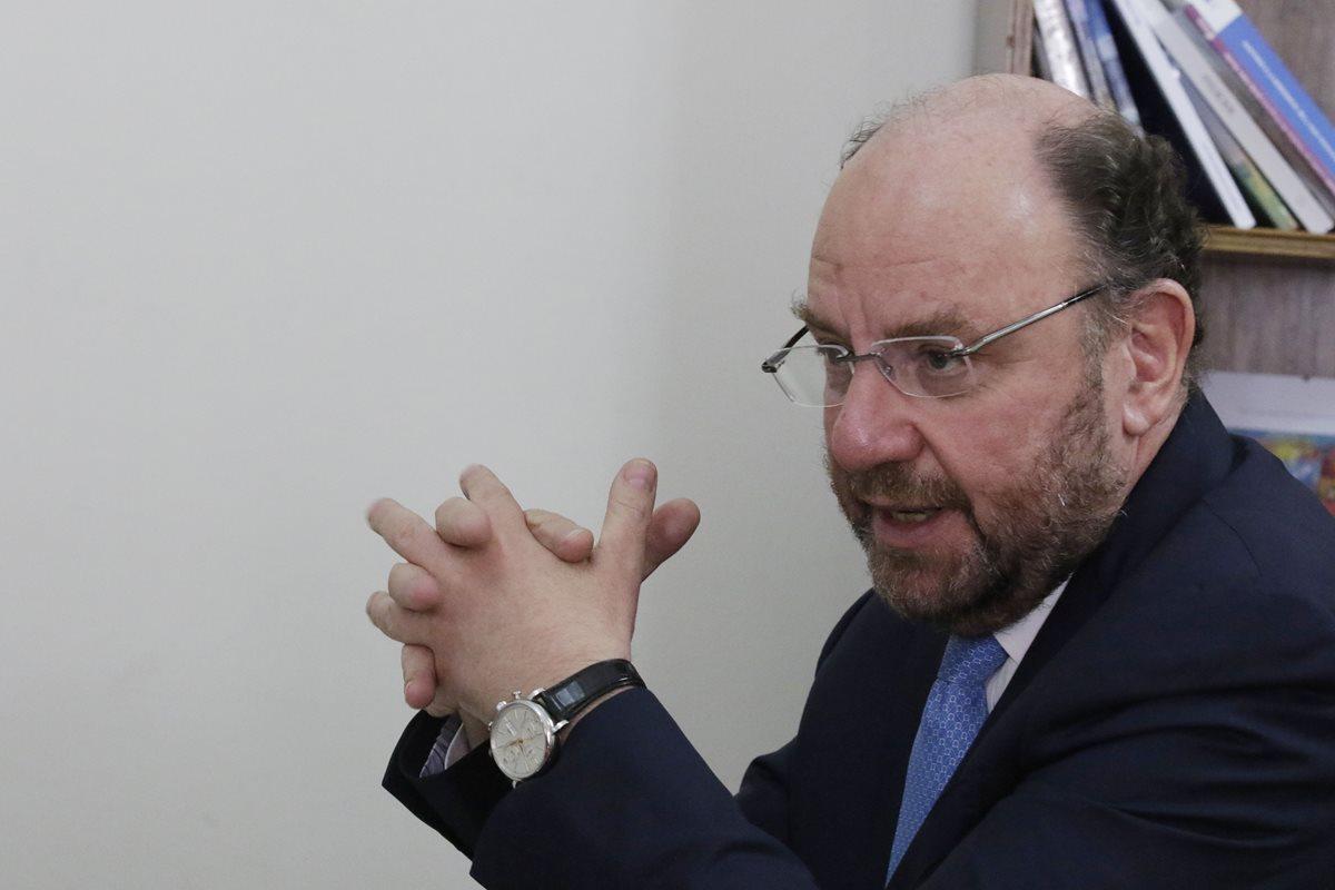 Programas sociales deben ser evaluados, dice ministro chileno de Desarrollo