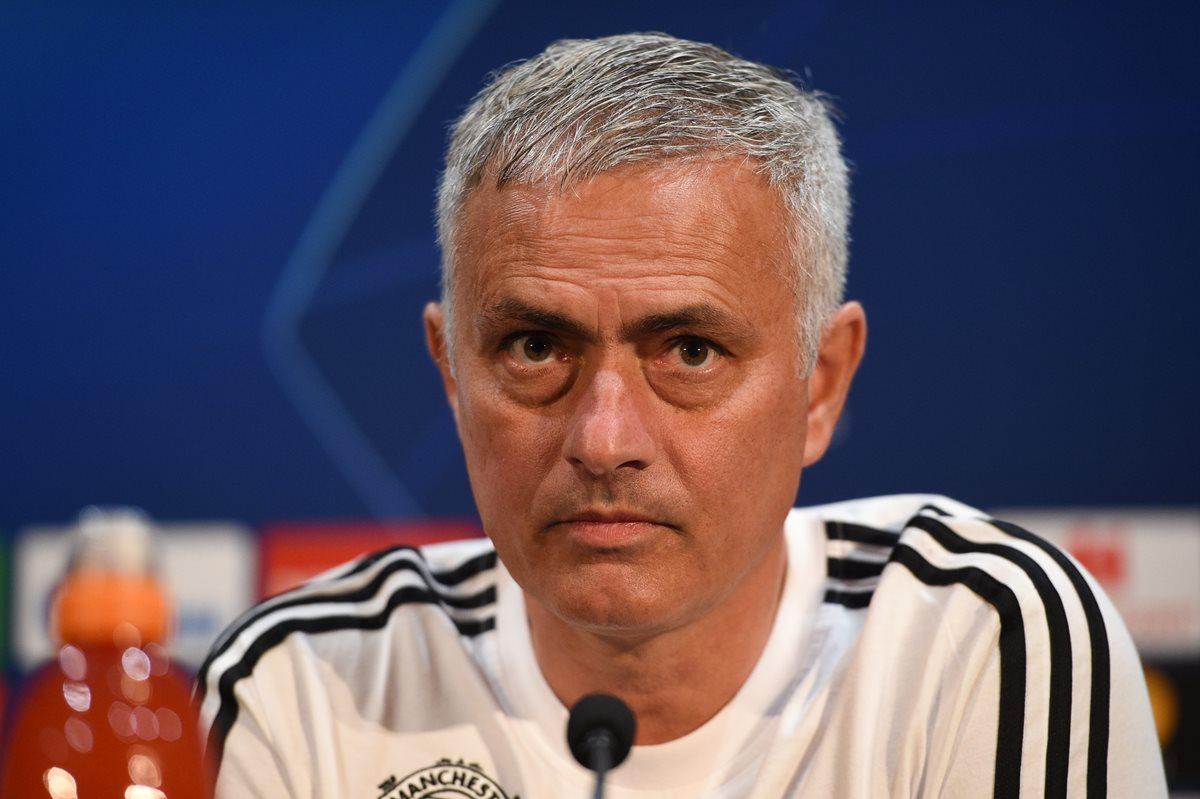 José Mourinho asegura que pIensa seguir dirigiendo al Manchester United por mucho tiempo. (Foto Prensa Libre: AFP)