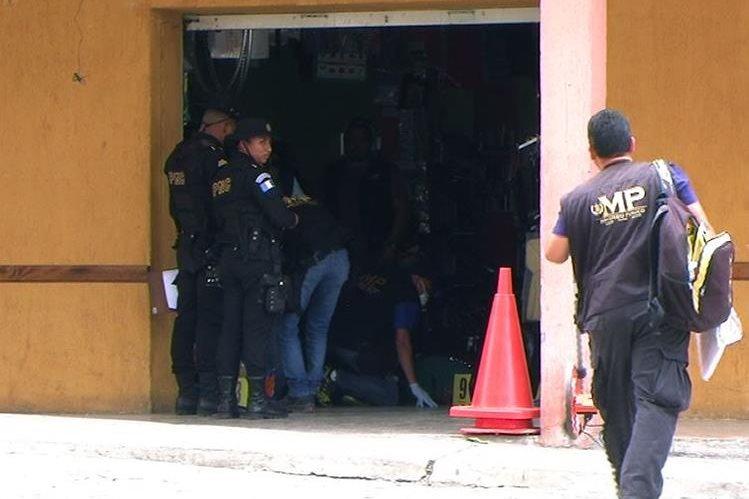 El líder de Codeca, Luis Arturo Marroquín, fue atacado el 9 de mayo, dentro de una librería en Jalapa. (Foto Prensa Libre: Hemeroteca PL)