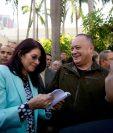 Cilia Flores, esposa de Nicolás Maduro (izq.). (Foto Prensa Libre: AP).