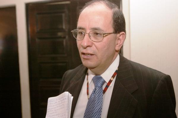 El diputado independiente Jose Alejandro Arévalo fue nombrado hoy como nuevo jefe de la Superintendencia de Bancos.