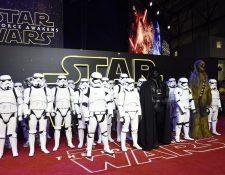 """El estreno de la nueva entrega de """"La guerra de las galaxias"""" fue el evento cinematográfico más esperado de la década. (Foto Prensa Libre, AP)"""