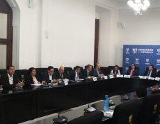 La Comisión de Finanzas del Congreso se ha reunido con funcionarios de los diferentes entes estatales. (Foto, Prensa Libre: Hemeroteca PL).