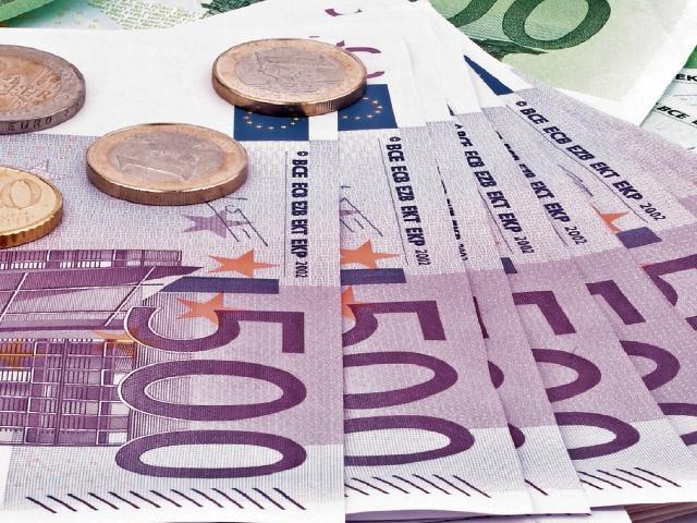 Euro reporta baja pero sin riesgos