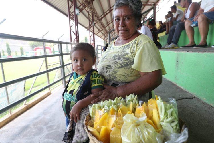 Para poder observar el duelo un mango. (Foto Prensa Libre: Francisco Sánchez)