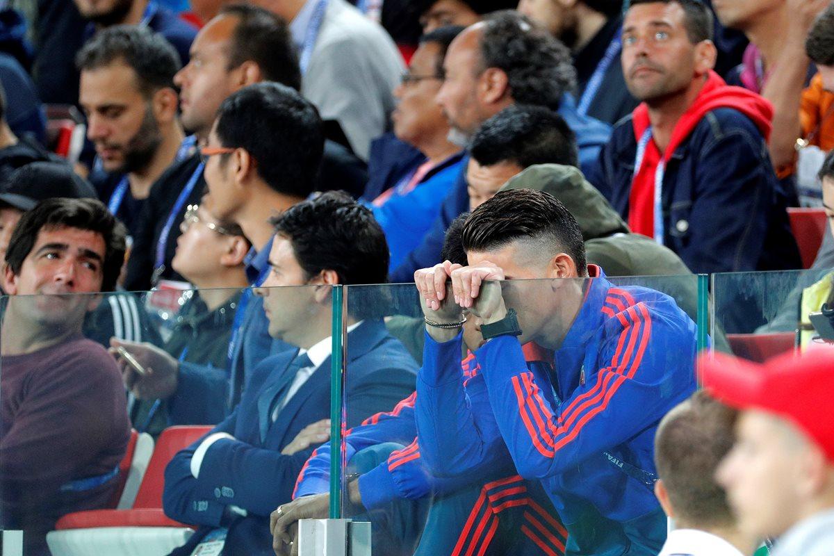 James Rodríguez sufre desde el palco el partido entre Colombia e Inglaterra