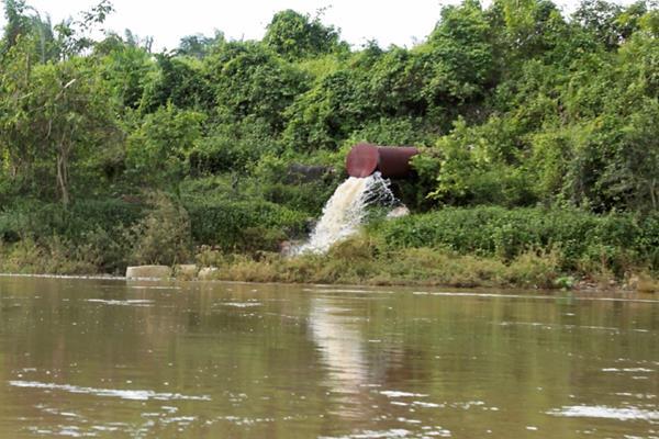 Las empresas deben contar con un estudio de impacto ambiental y con licencias ambientales. (Foto, Prensa Libre: Hemeroteca PL).