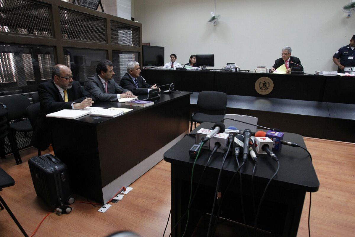 Los casos La Línea y Cooptación del Estado se encuentra paralizados por acciones interpuesta, en ambos casos está vinculado el expresidente Otto Pérez Molina. (Foto Prensa Libre: Hemeroteca PL)