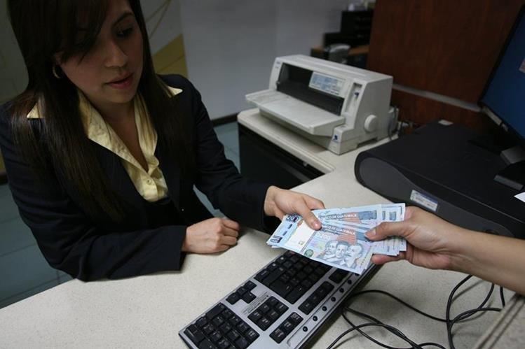 Este miércoles empieza el asueto bancario por Semana Santa. (Foto, Prensa Libre: Hemeroteca PL)