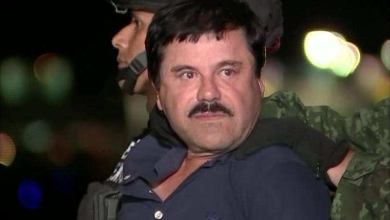 """""""El Chapo"""" Guzmán, mientras era conducido al penal de máxima seguridad el pasado 8 de enero. (Foto: Hemeroteca PL)."""