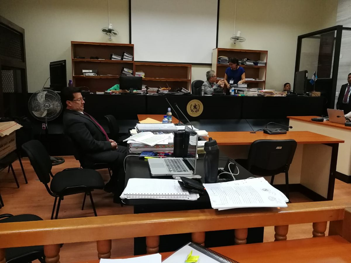MP solicita que exmagistrado Douglas Charchal enfrente debate