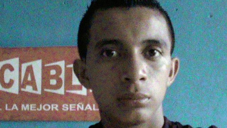 Armando Giovanni  Villatoro, camarógrafo de una empresa de cable en Suchitepéquez fue muerto a balazos ayer. (Foto Prensa Libre: Facebook))