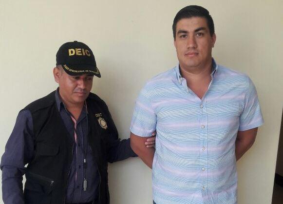 Carlos Francisco Quintanilla Monterroso es hijo de Carlos Quintanilla Villegas, exjefe de la SAAS. (Foto Prensa Libre: PNC)