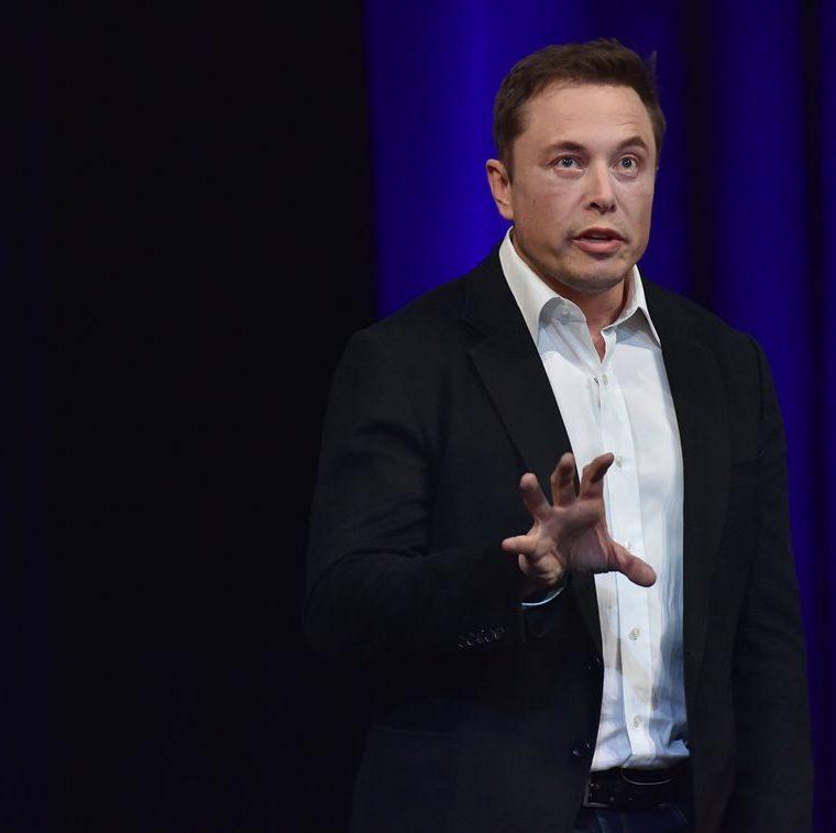 Musk, durante su presentación en el 68 Congreso Internacional de Aeronáutica, en Adelaide, Australia (Foto Prensa Libre: AFP).