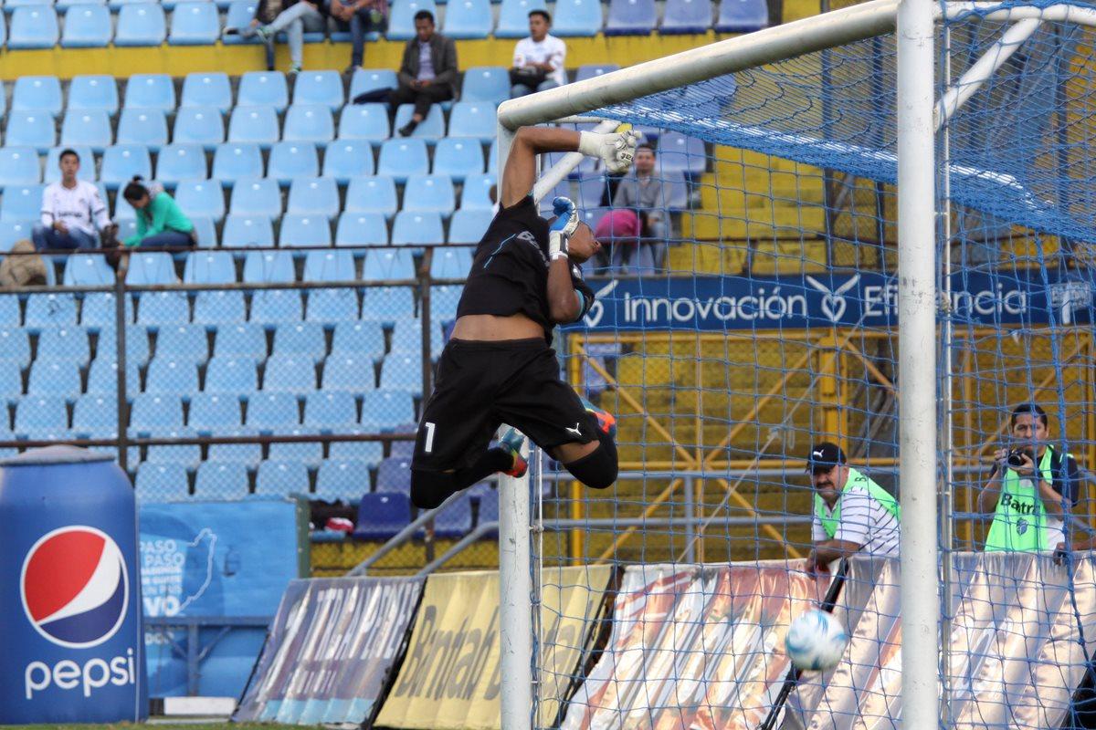 Fredy Pérez se había ganado la titularidad en el marco blanco. (Foto Prensa Libre: Hemeroteca PL)